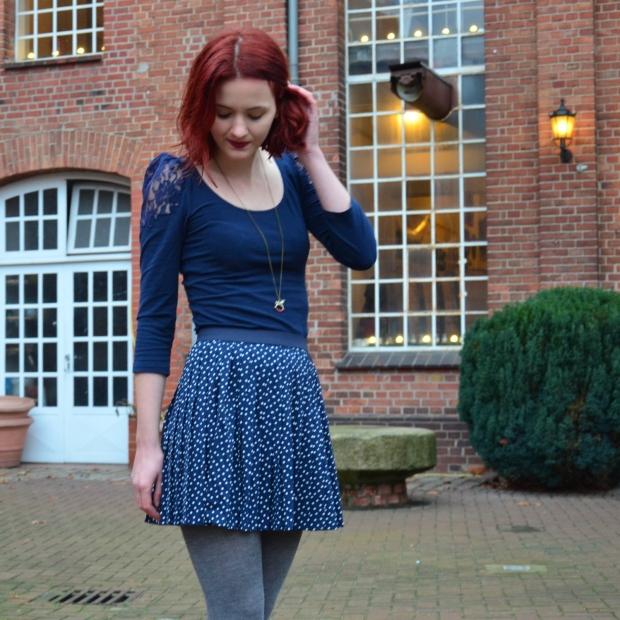 1_blauerrock-blauesshirt