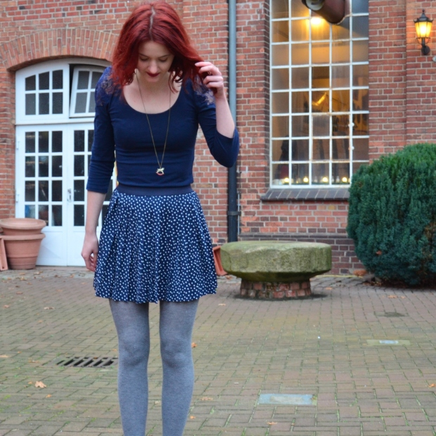 6_blauerrock-blauesshirt