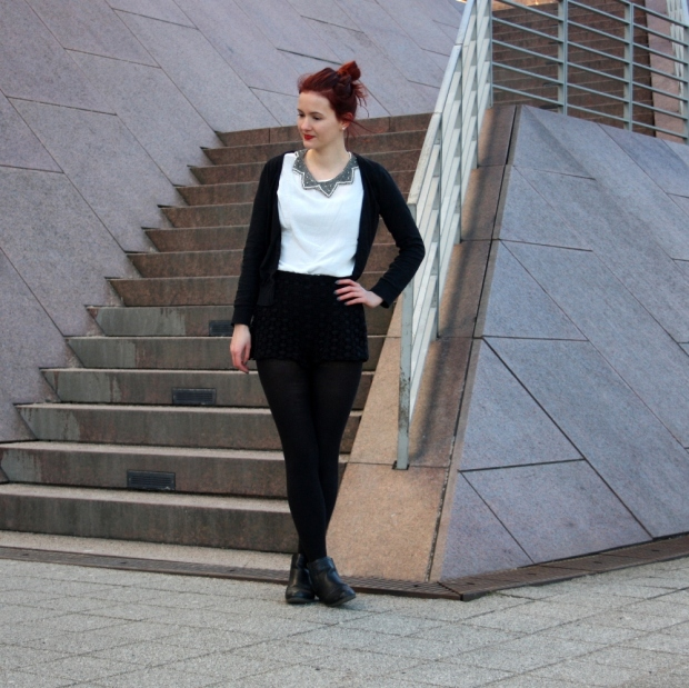 2_lace shorts zara blouse