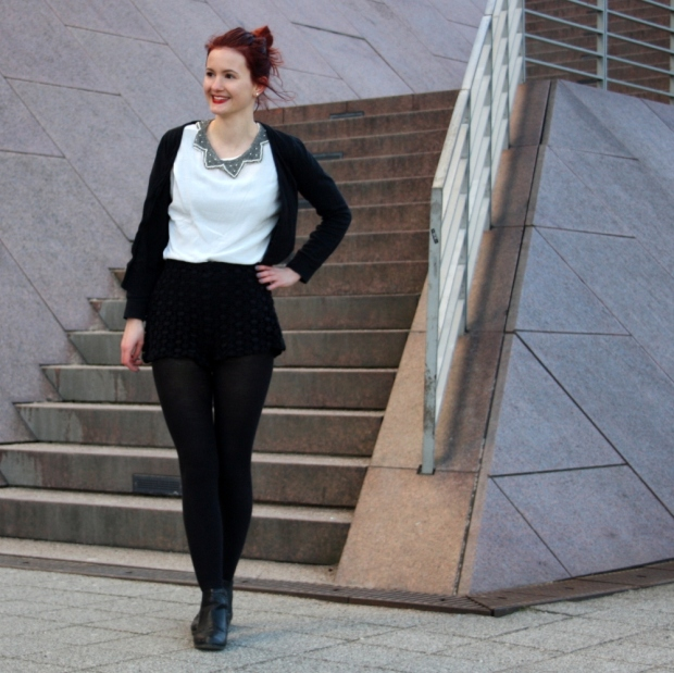 4_lace shorts zara blouse