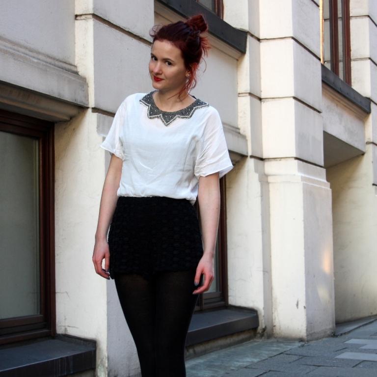 5_lace shorts zara blouse