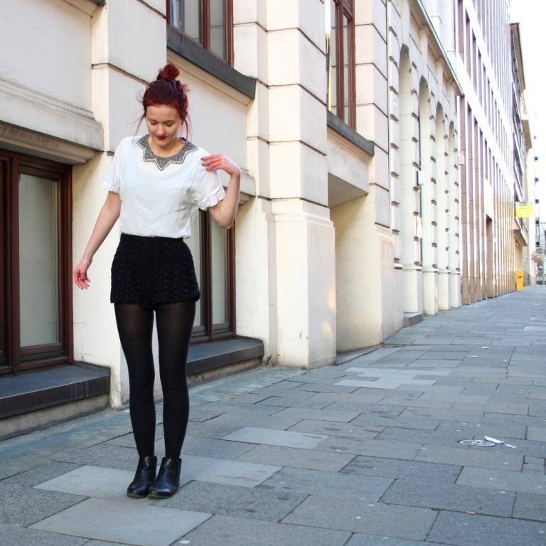 6_lace shorts zara blouse