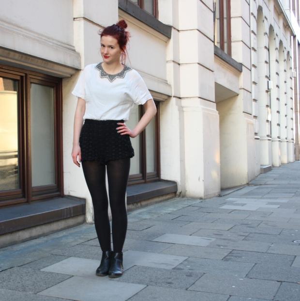 7_lace shorts zara blouse