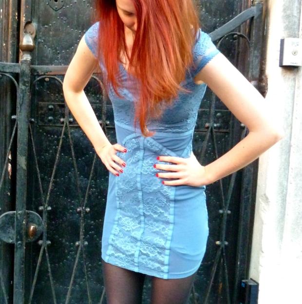 blaues Kleid Spitze