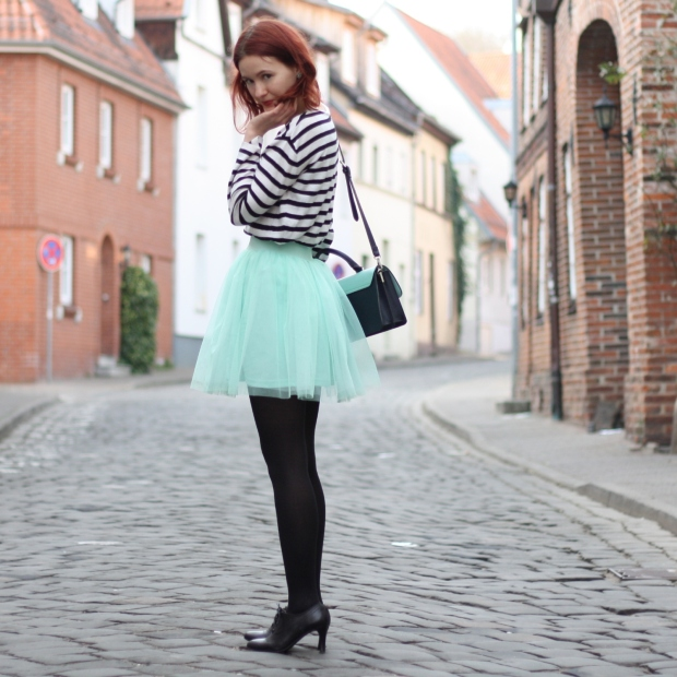 14_outfit_mintgrüner tüllrock gestreiftes Shirt