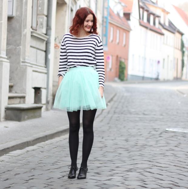 5_outfit_mintgrüner tüllrock gestreiftes Shirt
