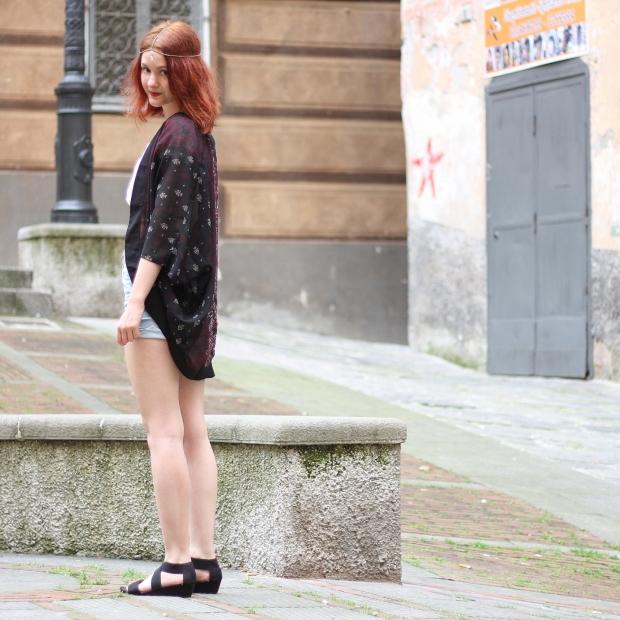 9__Outfit High Waist Short, Crop Top, Kimono, Head Chain
