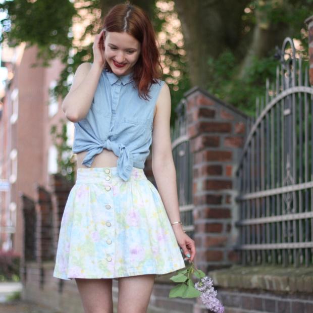 3_outfit_heller blümchenrock vintage jeanshemd