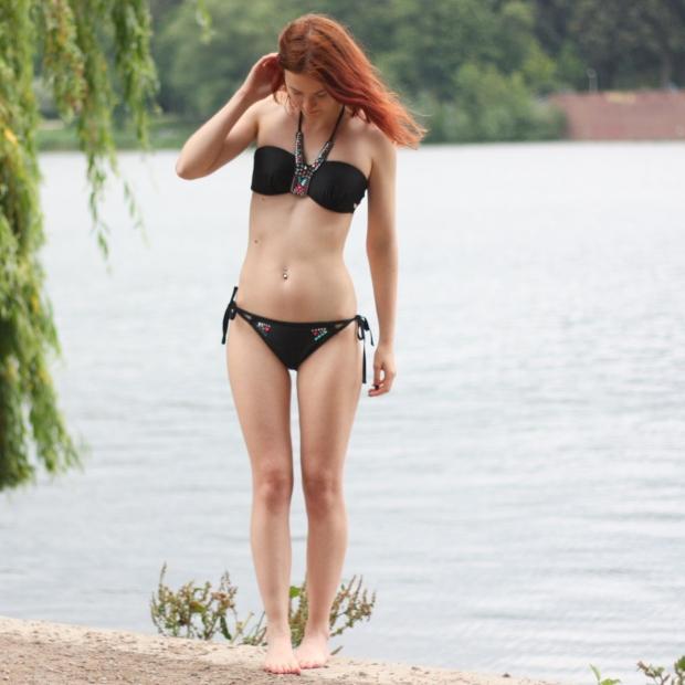 4_bikini hunkemoeller