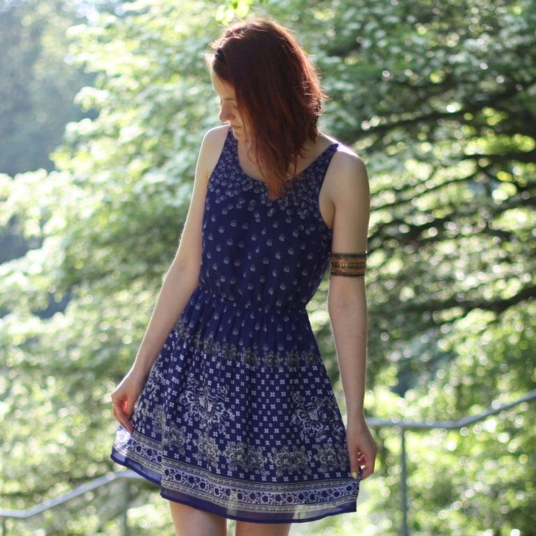 9_outfit_kleid rückenausschnit
