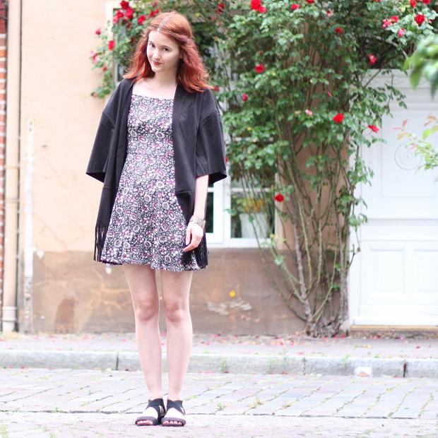 7_outfit_kleid carmen blumen_headchain