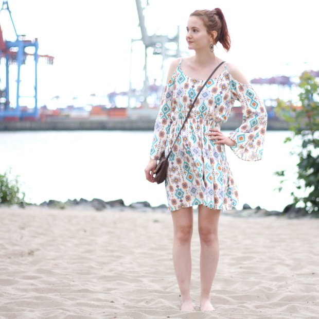 8_outfit off the shoulder dress