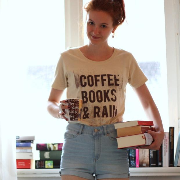 Modeblog_Outfit_Shirt_Kater Likoli_Coffee Books Rain (4)