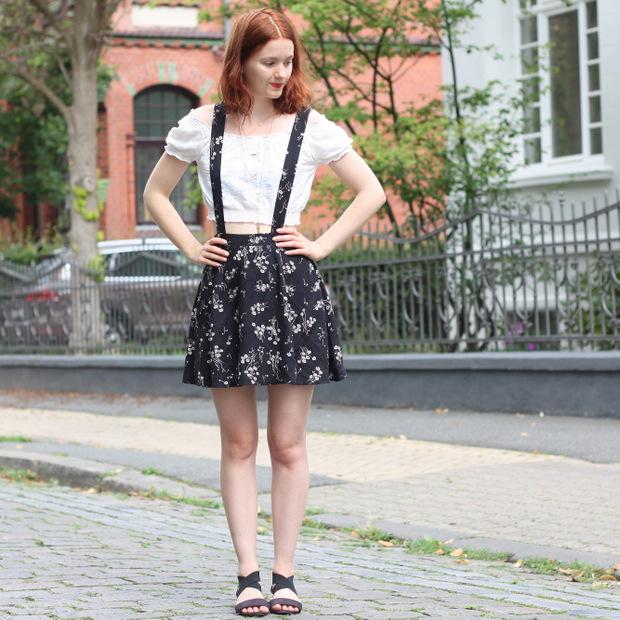 Outfit Rock mit Hosenträgern (2)