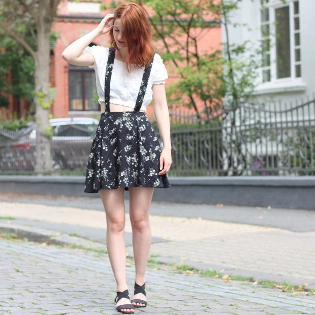 Outfit Rock mit Hosenträgern