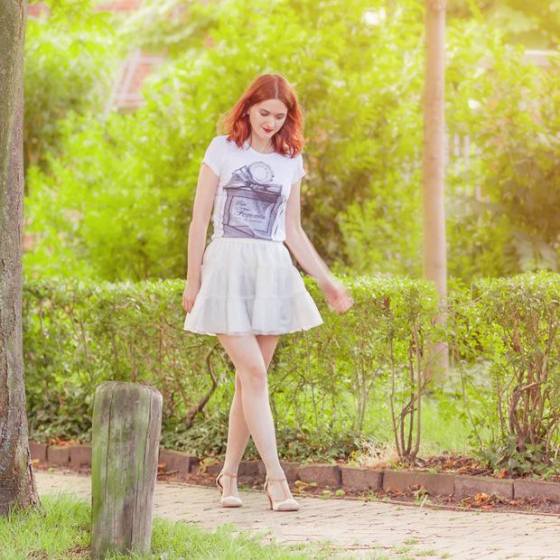 outfit_tüllrock_shirt parfum flakon (2)