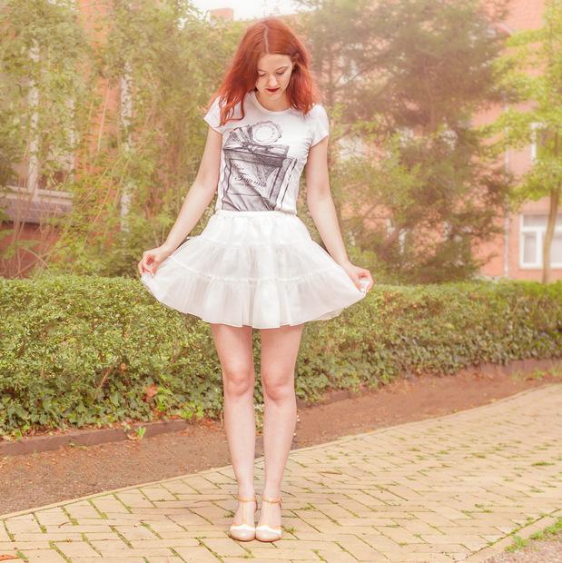 outfit_tüllrock_shirt parfum flakon (4)