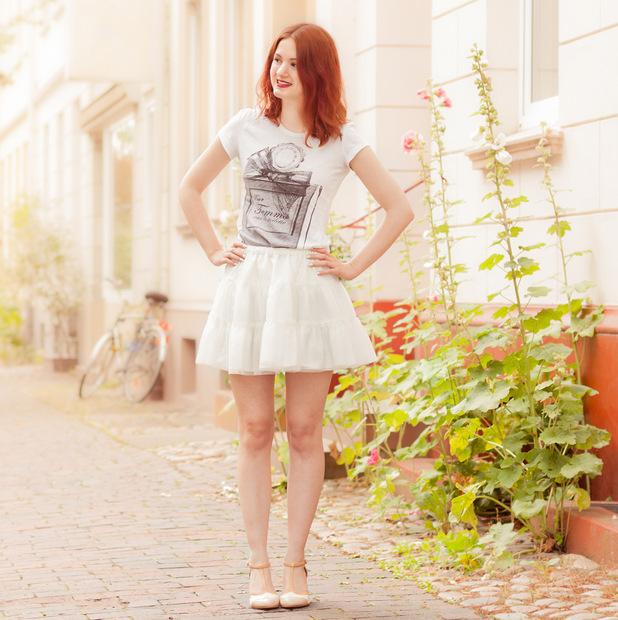 outfit_tüllrock_shirt parfum flakon