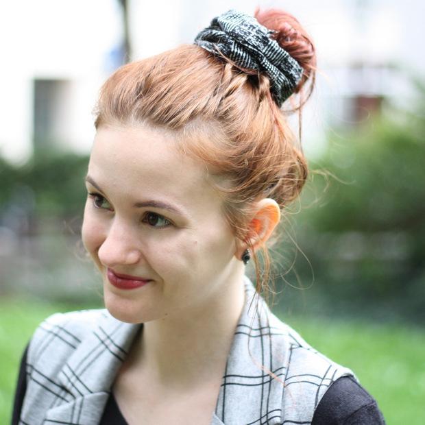 Modeblog_Outfit_back to school_Faltenrock_lange Weste_Budapester_New Look (7)
