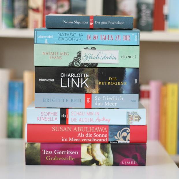 Buchblog_Bücherstapel_gelesene Bücher September 2015 2