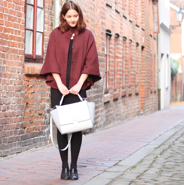 2_modeblog_outfit_Streetstyle_cape_herbst_kleid_trapezbag