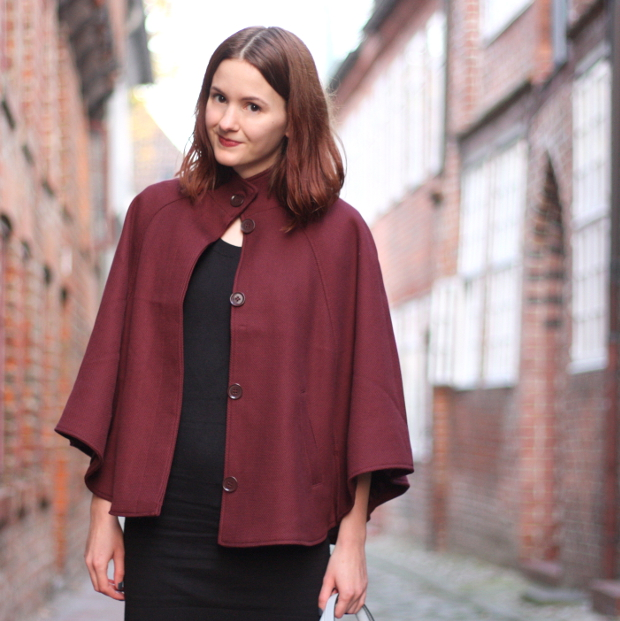 6_modeblog_outfit_Streetstyle_cape_herbst_kleid_trapezbag