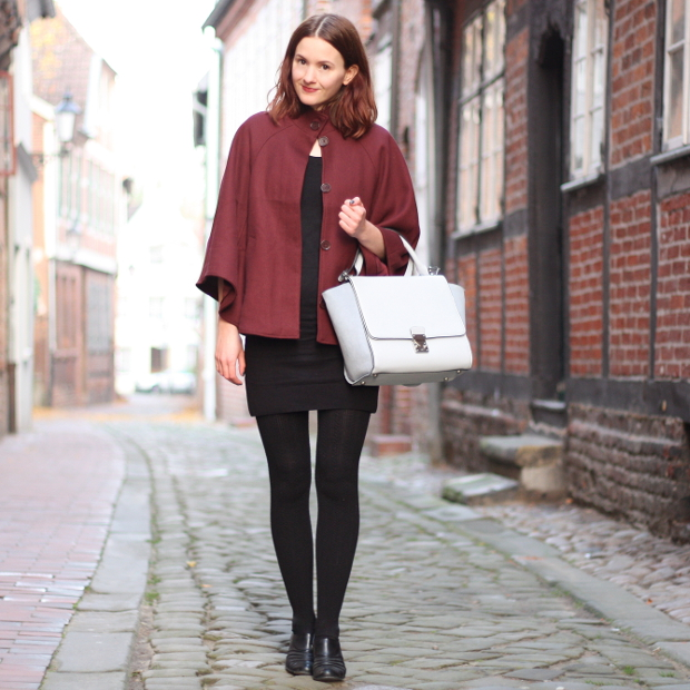 8_modeblog_outfit_Streetstyle_cape_herbst_kleid_trapezbag