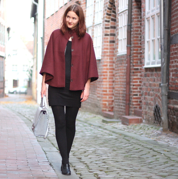 9_modeblog_outfit_Streetstyle_cape_herbst_kleid_trapezbag