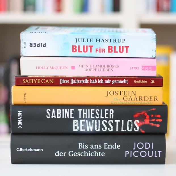 Buchblog_gelesene Bücher_Oktober_2015_Bücherregal_Bücherstapel