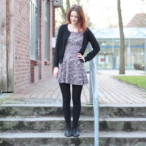 Outfit_Modeblog_Kleid_Blümchenkleid_Budapester_Herbst_Winter_4