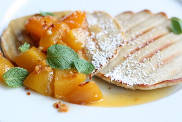 Gegrillte Pancakes mit Aprikosenragout (2)
