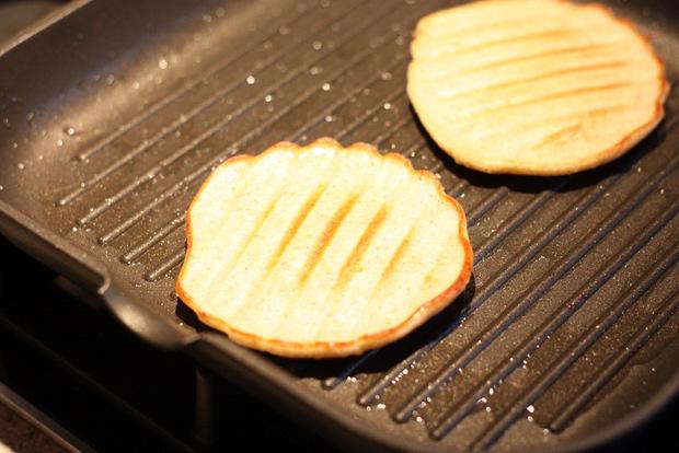 Gegrillte Pancakes mit Aprikosenragout5