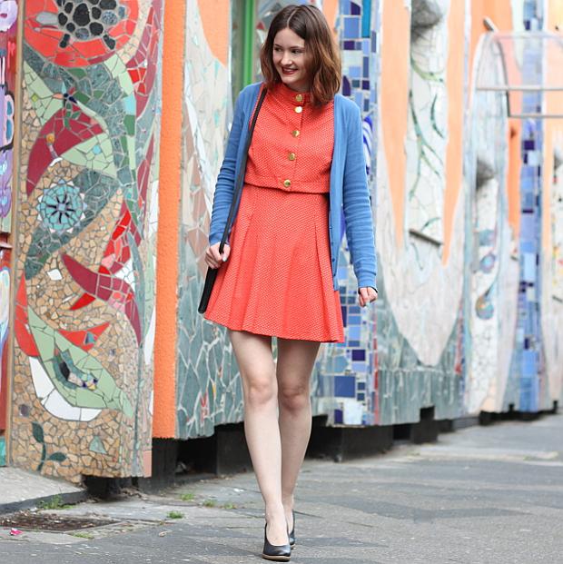 Modeblog Düsseldorf Streetstyle Outfit Farben Vintage Kleid (4)