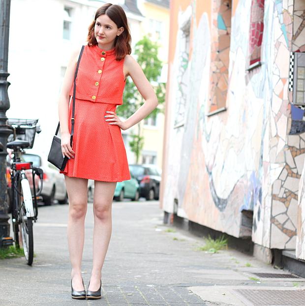 Modeblog Düsseldorf Streetstyle Outfit Farben Vintage Kleid (8)