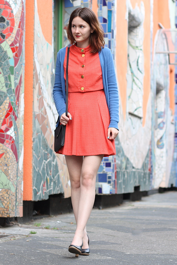 Modeblog Düsseldorf Streetstyle Outfit Farben Vintage Kleid