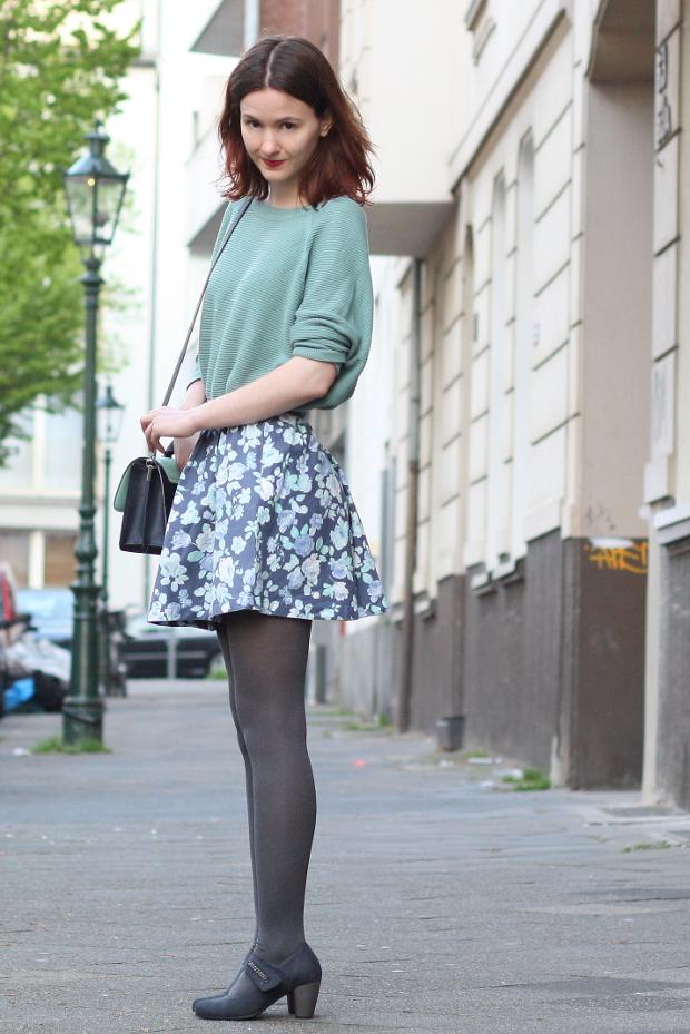 Modeblog_Fashionblog_Düsseldorf_Outfit mintgrünes Shirt geblümter Rock 4