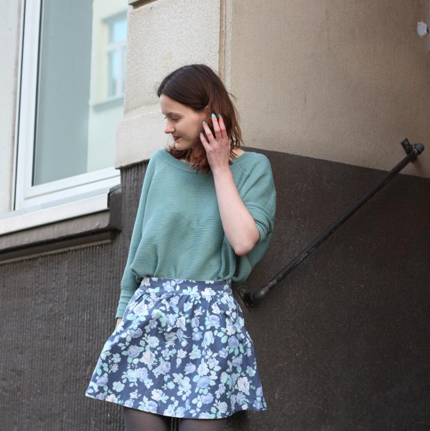 Modeblog_Fashionblog_Düsseldorf_Outfit mintgrünes Shirt geblümter Rock 5