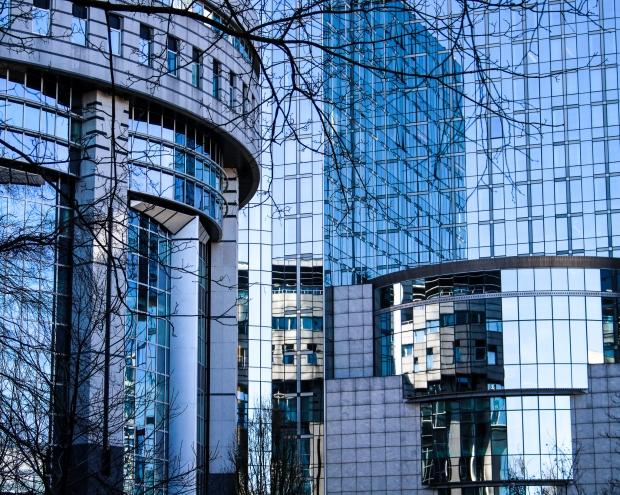 Brüssel_1 Tag vor dem Lockdown_ EU-Parlament vom Parc Leopold aus