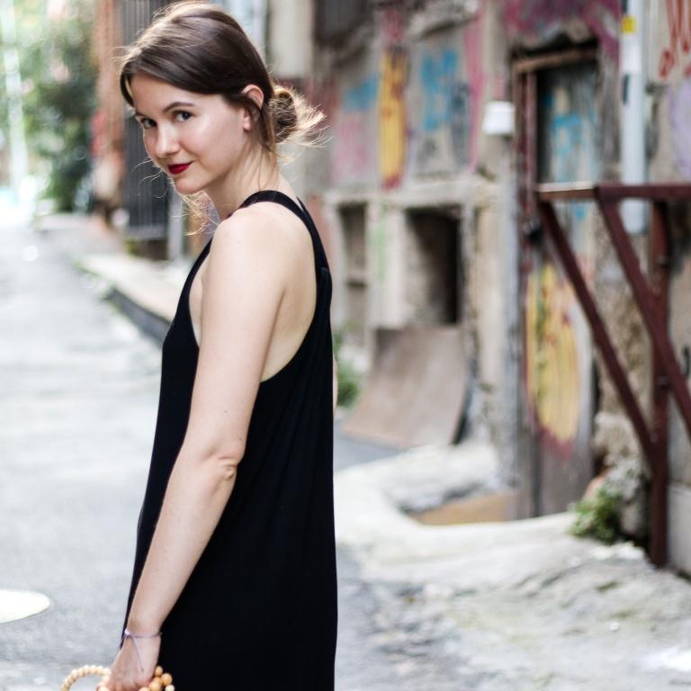 1_Modeblog Fashionblog schwarzes langes Kleid Istanbul